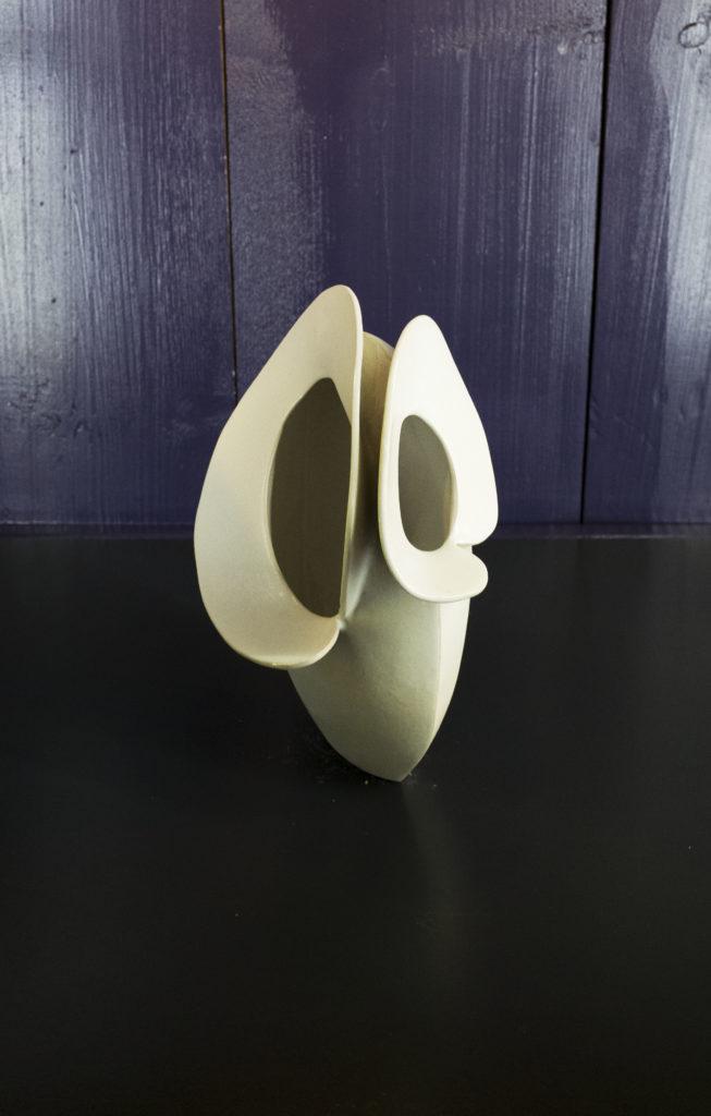 """Vase, série Les """"Tendres'', 2019 Grès Emaillé, H.30 X L.15 X l.10"""